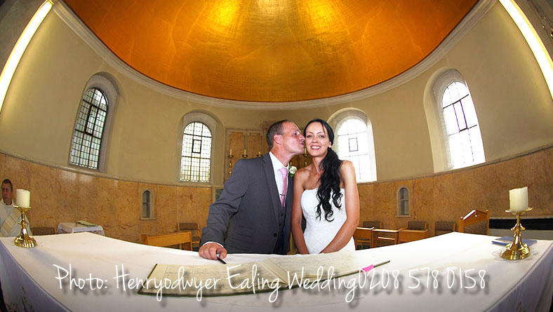 Acton Wedding photographer 0208 578 0158